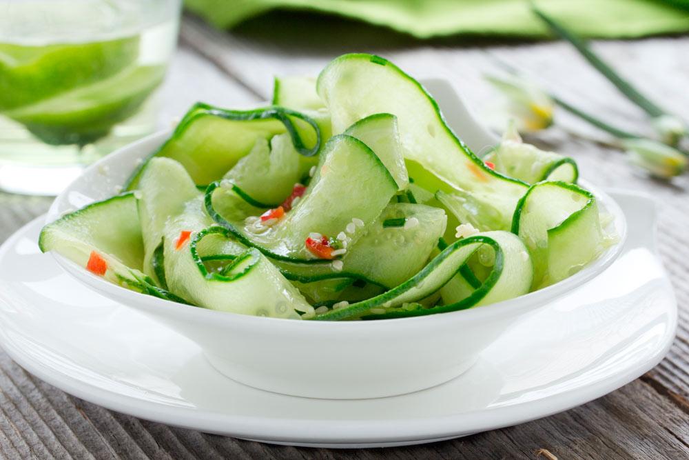 ayurveda, recetas vegetarianas, recetas veganas, pepino, ensalada, ensalada de pepino, sésamo, equilibrar pitta, receta verano, ensalada verano